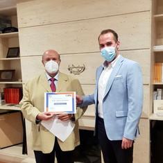 Carlos García Cuesta, Presidente de Honor del CITOP, ha patrocinado a través de su empresa OLTEC y entregado el Premio Manuel Vázquez en su primera categoría