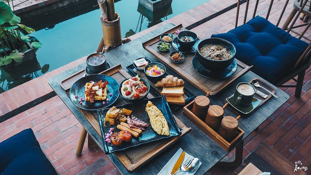 ATHITA บูธีคโฮเทลสุดสงบริมแม่น้ำโขง เมืองเชียงแสน รีวิว Athita Boutique Hotel ที่พักเมืองเชียงแสน รีวิวโรงแรม ถ่ายรูปสวย โรงแรมดี โรงแรมน่านอน New Hotel The Best Hotels in the World: 2021 Readers' Choice Awards best hotel in chaing rai
