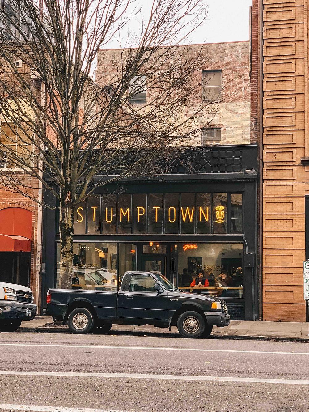 Stumptown coffee เที่ยวอเมริกา โรดทริป America West Coast Road Trip USA เที่ยวอเมริกาด้วยตัวเอง เช่ารถขับ รอบอเมริกา ซานฟรานซิสโก แคลิฟอเนียร์ ซีแอตเทิล ลอสแองเจลิส ซานดิเอโก้ พอร์ทแลนด์ Portland San Diego Los Angeles Seattle California ร้านอร่อย ร้านอาหาร คาเฟ่ ช็อปปิ้ง ชอปปิ้ง จุดน่าแวะในอเมริกา ขับรถรอบอเมริกา