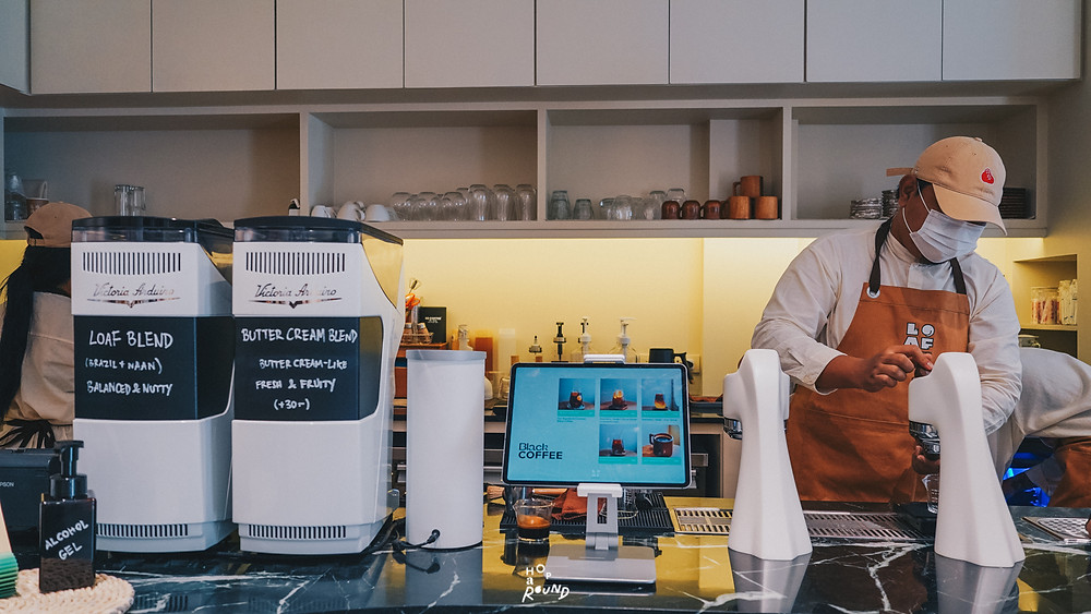 LOAF Bakers & Brewers โลฟ พัทยา ร้านกาแฟอร่อยพัทยา ร้านเบเกอรี่อร่อยพัทยา ร้านครัวซองต์อร่อยพัทยา ครัวซองต์ปู สติ๊กกี้บัน สติ๊กกี้บันมะพร้าว เค้ก ขนมเค้ก เค้กอร่อย เค้กบีไฟว์ ร้านโลฟ ร้านดังพัทยา เมืองพัทยา เบเกอรี่แอนด์คาเฟ่ เค้ก B5 ของฝากพัทยา ร้านขนมพัทยา