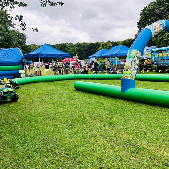 Rothwell carnival today !! Here until 4p