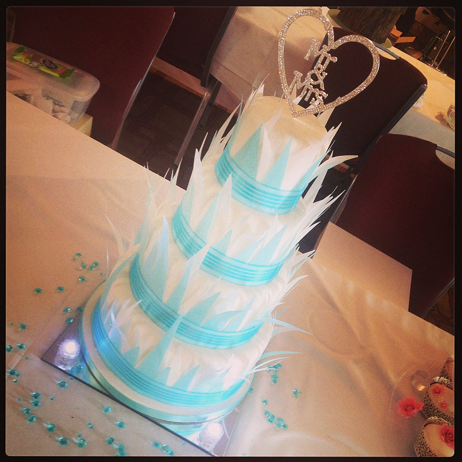 frozen wedding cake the pantry door bespoke cakes for all occasions chesterfield 14508