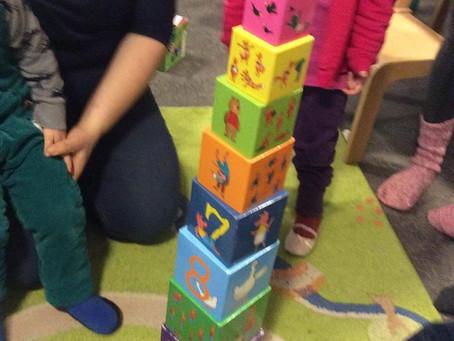 Пирамиды из кубиков, рисование ладошками, фигура «слон», сказка «Айболит», буквы А, Б и В и многое д