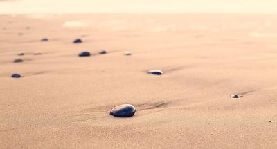 Guijarros en la arena