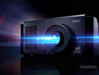 Яркий, но тихий проектор NEC