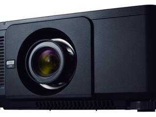 Новый лазерный проектор NEC PX803UL