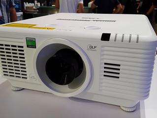 4К лазерный проектор E-Vision 4K Laser, предназначенный для домашних инсталляций