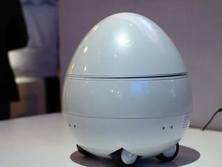 Настольный робот, показанный Panasonic на CES 2017, похож на птицу