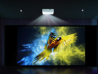 4K UHD SMART LED проектор LG CineBeam HU70LS: впечатляющее изображение 4К и умный доступ к контенту
