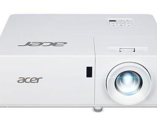 Серия PL1: лазерные проекторы на 4000 люмен для работы в режиме 24/7