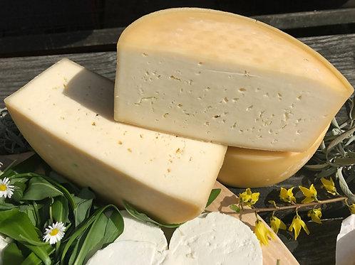 Bio poltrdi sir iz surovega mleka, naravna skorja, 300 g