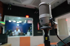 microphone-1562354_640.jpg
