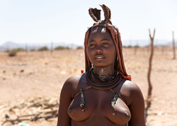 himba-woman-traditional-namibia-5x7