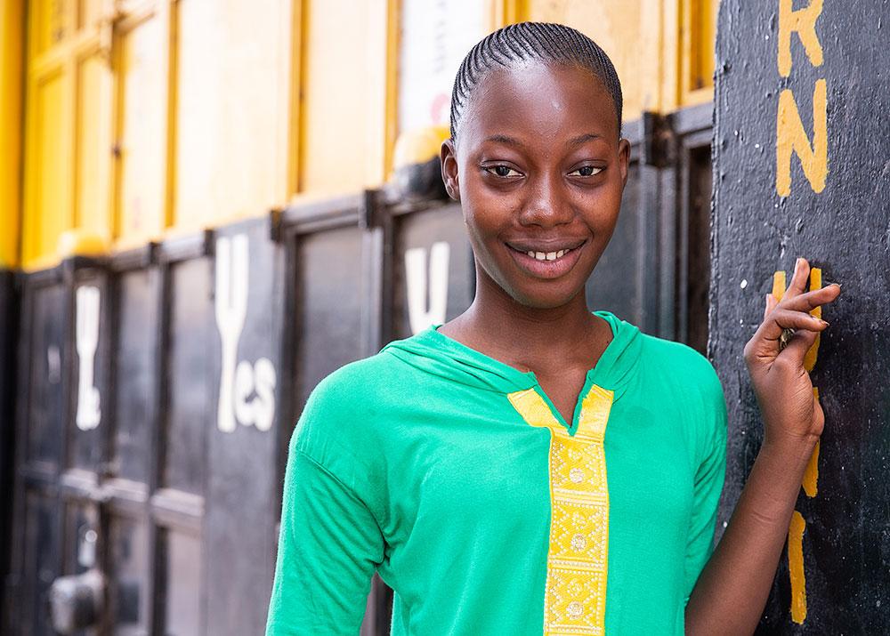 banjul-gambia-girl-portrait-5x7