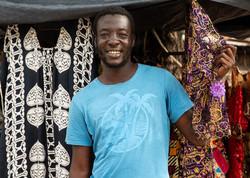 africa-fashion-salesman-senegal-5x7