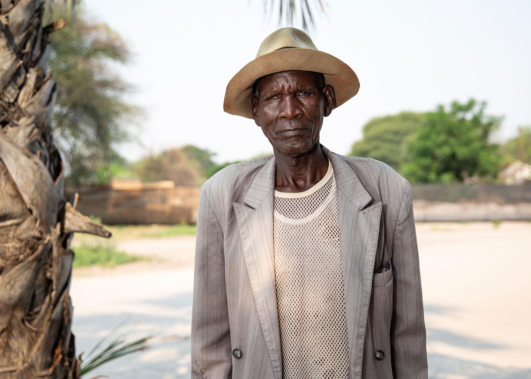 retired-police-officer-botswana-5x7