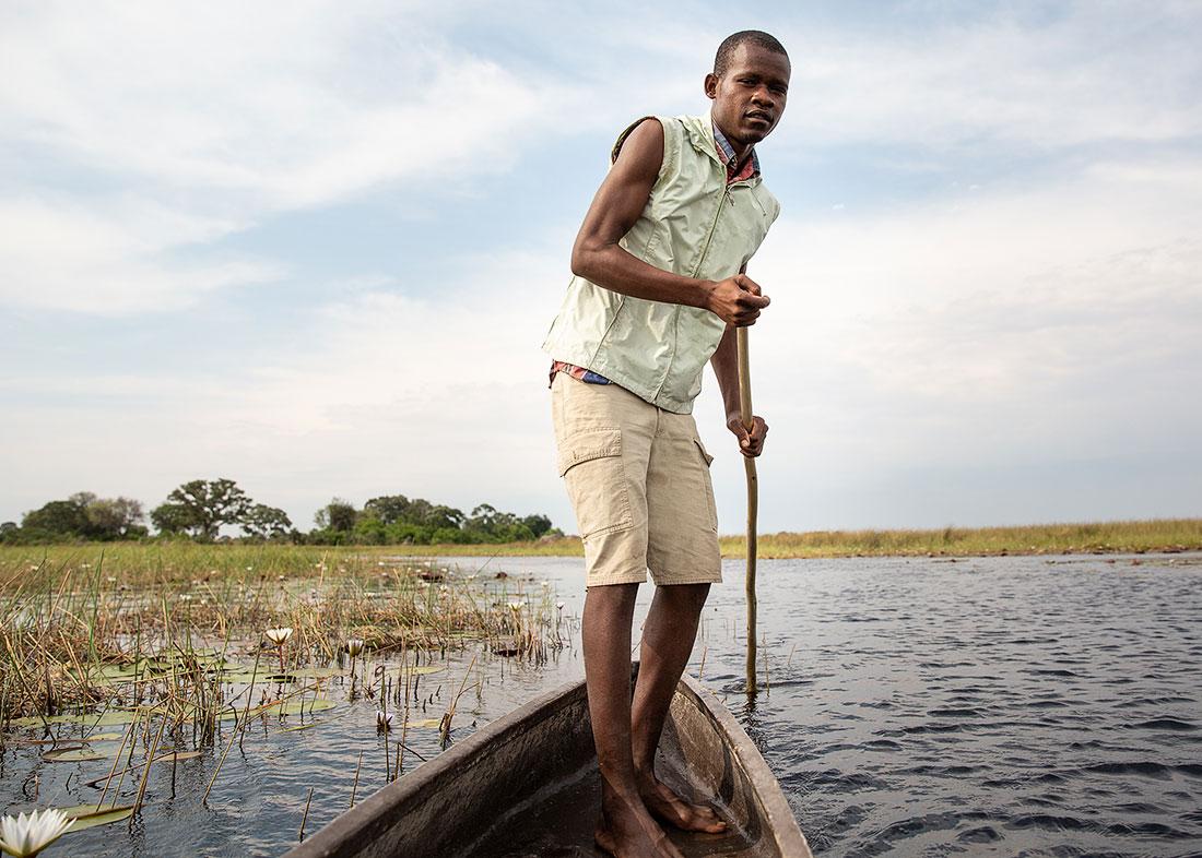 mokoro-guide-okavango-delta-5x7