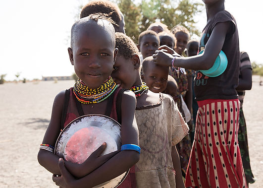 girls-eating-turkana-kenya.jpg