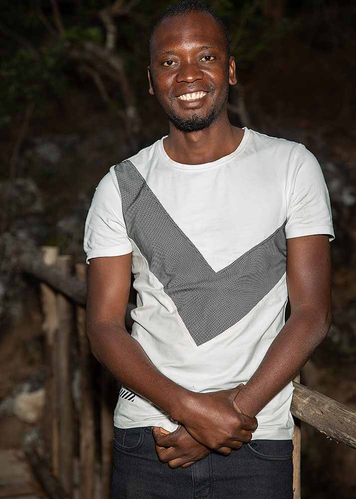 volunteer-malawi-portrait-5x7