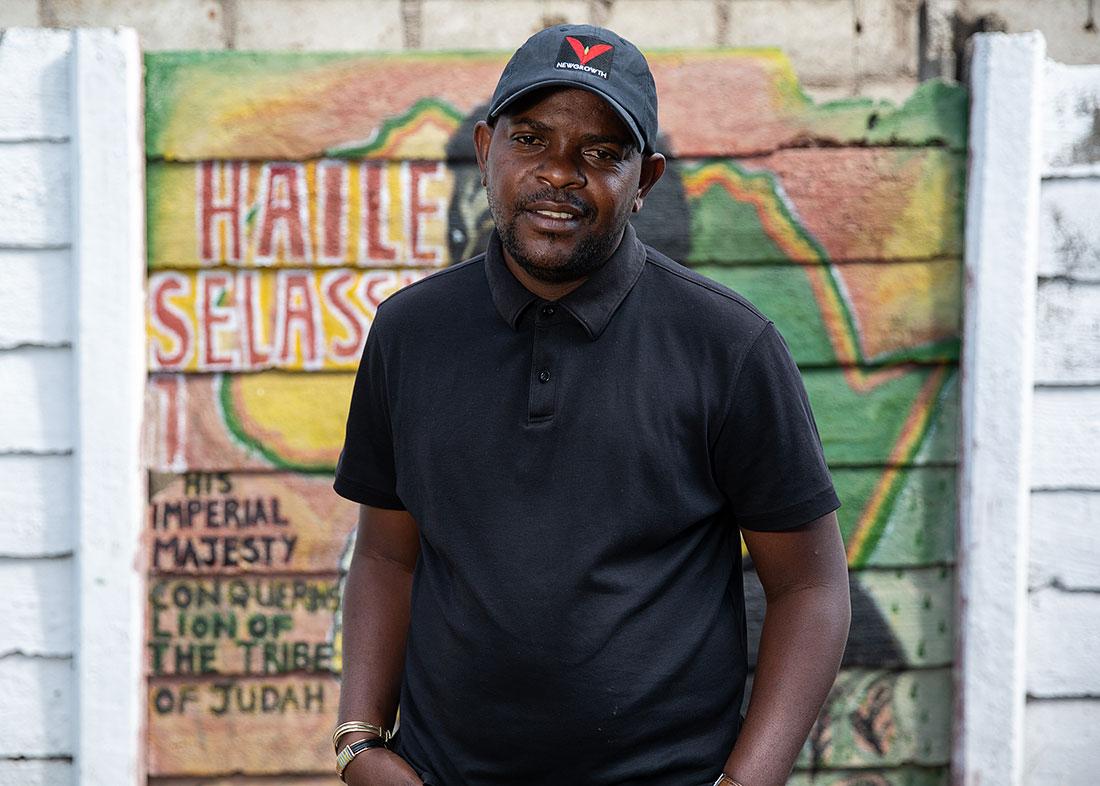 community-leader-mbare-zimbabwe-5x7