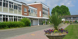 Hadlow-College
