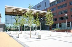 1200px-MidKent_College_Medway_Campus