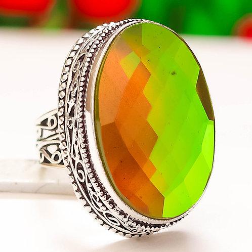 Кольцо винтажное серебро 925 ручной работы с зеленым мистик топазом нат.(р.17.5)