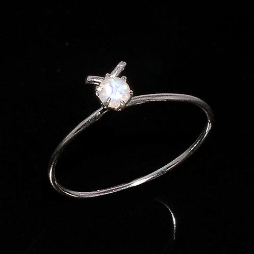 Кольцо серебро 925 ручной работы c радужным лунным камнем натур  арт,102231-55