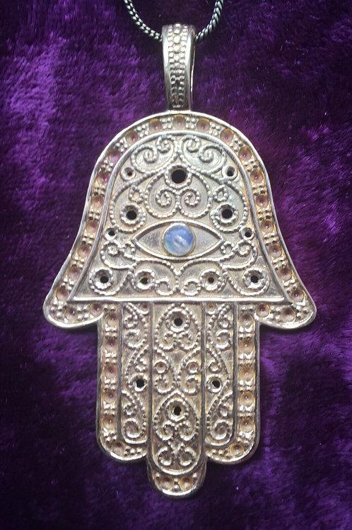 Колье рука Фатимы латунь ручной работы с лунным камнем натуральным арт.102556