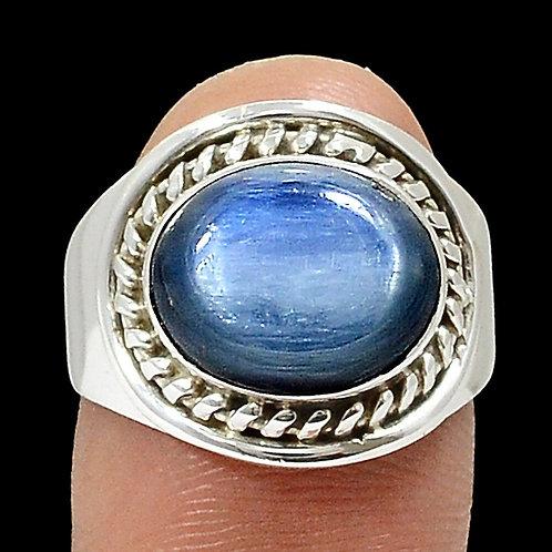 Кольцо серебро 925 ручной работы c кианитом натуральным (р.17.7)