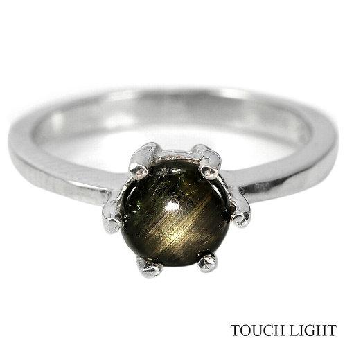 Кольцо серебро 925 ручной работы с черным звездчатым сапфиром нат. 6 мм (р.15.7)