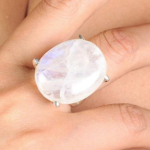 Кольцо серебро 925 ручной работы с лунным камнем натуральным (р.17.3)