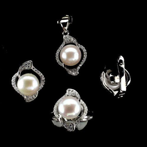 Комплект серебро 925 с жемчугом натуральным (размер кольца 17,7)