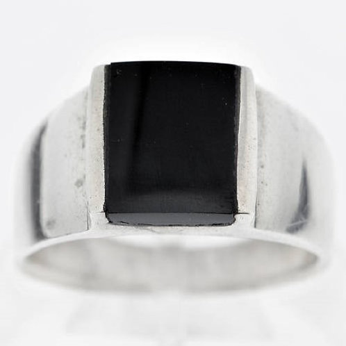 Кольцо мужское серебро 925 с ониксом ручной работы (р.19,5)