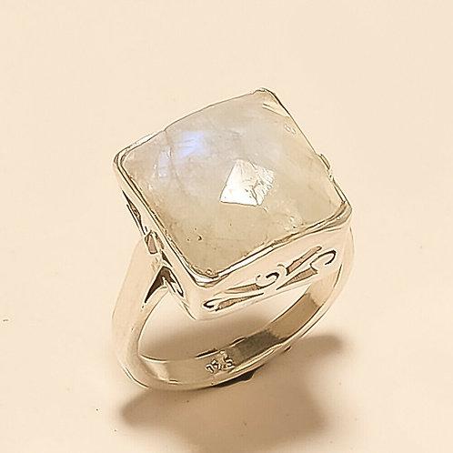 Кольцо серебро 925 ручной работы c лунным камнем натур арт102219-12