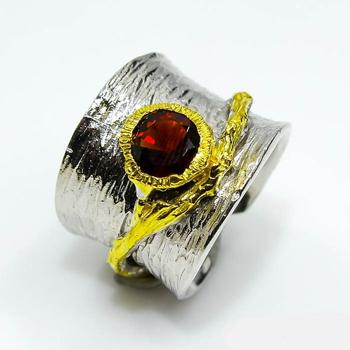 Кольцо серебро 925 ручной работы с гранатом натуральным (р.15.9)