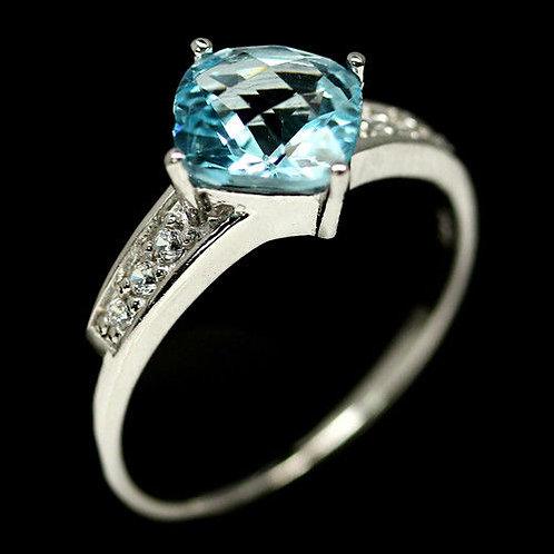 Кольцо серебро 925 ручной работы с голубым топазом  натуральным 8х8 мм18,7
