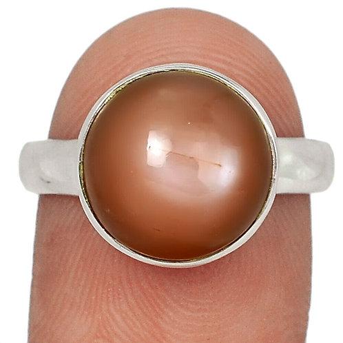 Кольцо серебро 925 ручной работы с персиковым лунным камнем натуральным (р.17.7)