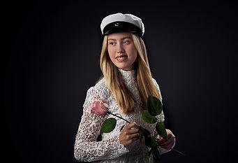 Moona Heikkilä ylioppilaskuva.jpg