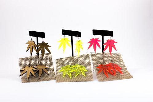 VINTAGE A GOGO-Plastic Cannabis Earrings