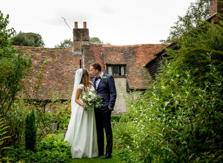 Wedding Spotlight: Q & A with Chris and Sophie on their Sunny Selborne Wedding