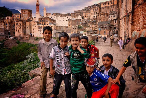 Boys_in_Jibla,_Yemen_(14159835344).jpg