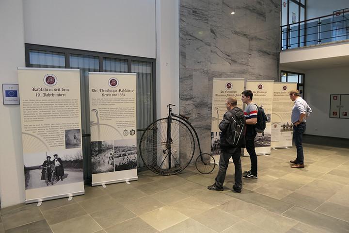 """Ausstellung: """"Fahrradfahren in Flensburg – ein kurzer historischer Rückblick"""