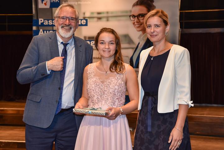 Hansen beste Dualabsolventin aus Flensburg - Weichen für neue DHSH gestellt