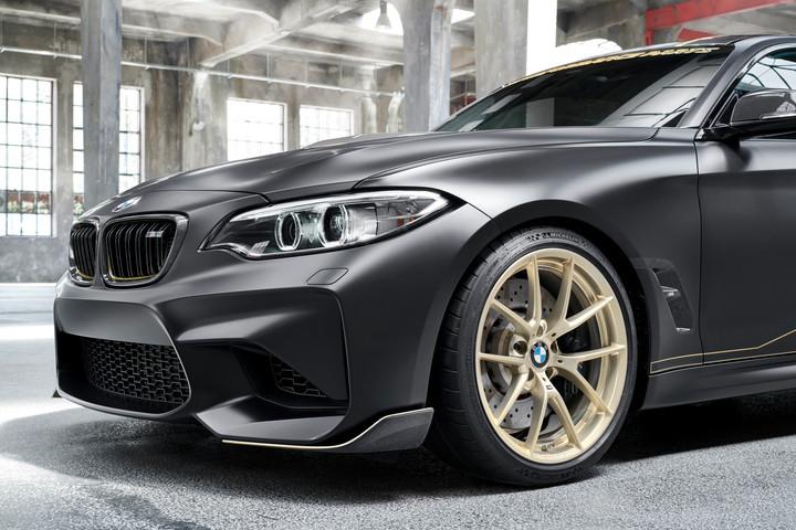 Weltpremiere und dynamischer Auftritt des BMW M Performance Parts Concept