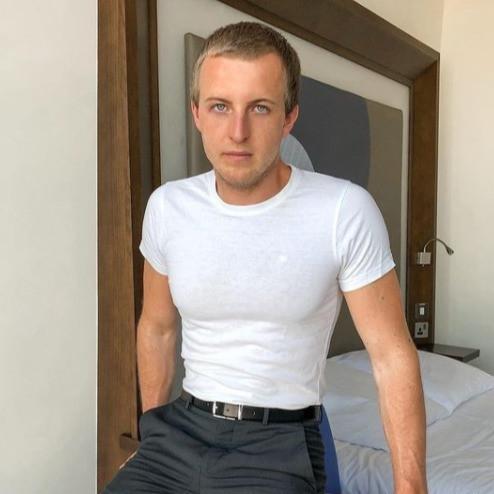 @kevin_addictedmgmt , interview, modelagentur , addictedtomodels