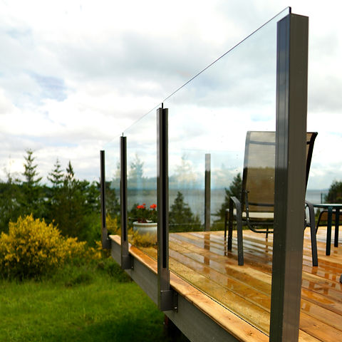 Topless Glass Railing.jpg