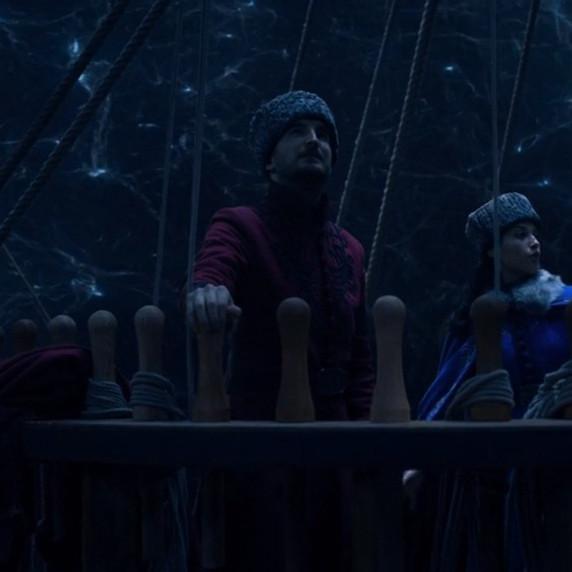 "Screenshotter--Netflix-ShadowandBoneS1E8NoMourners-13'36""_edited_edited.jpg"