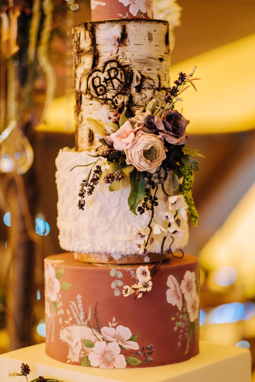 Rustic woodland bas relief hand painted wedding cake - (c) Aaron Jeffels Photography