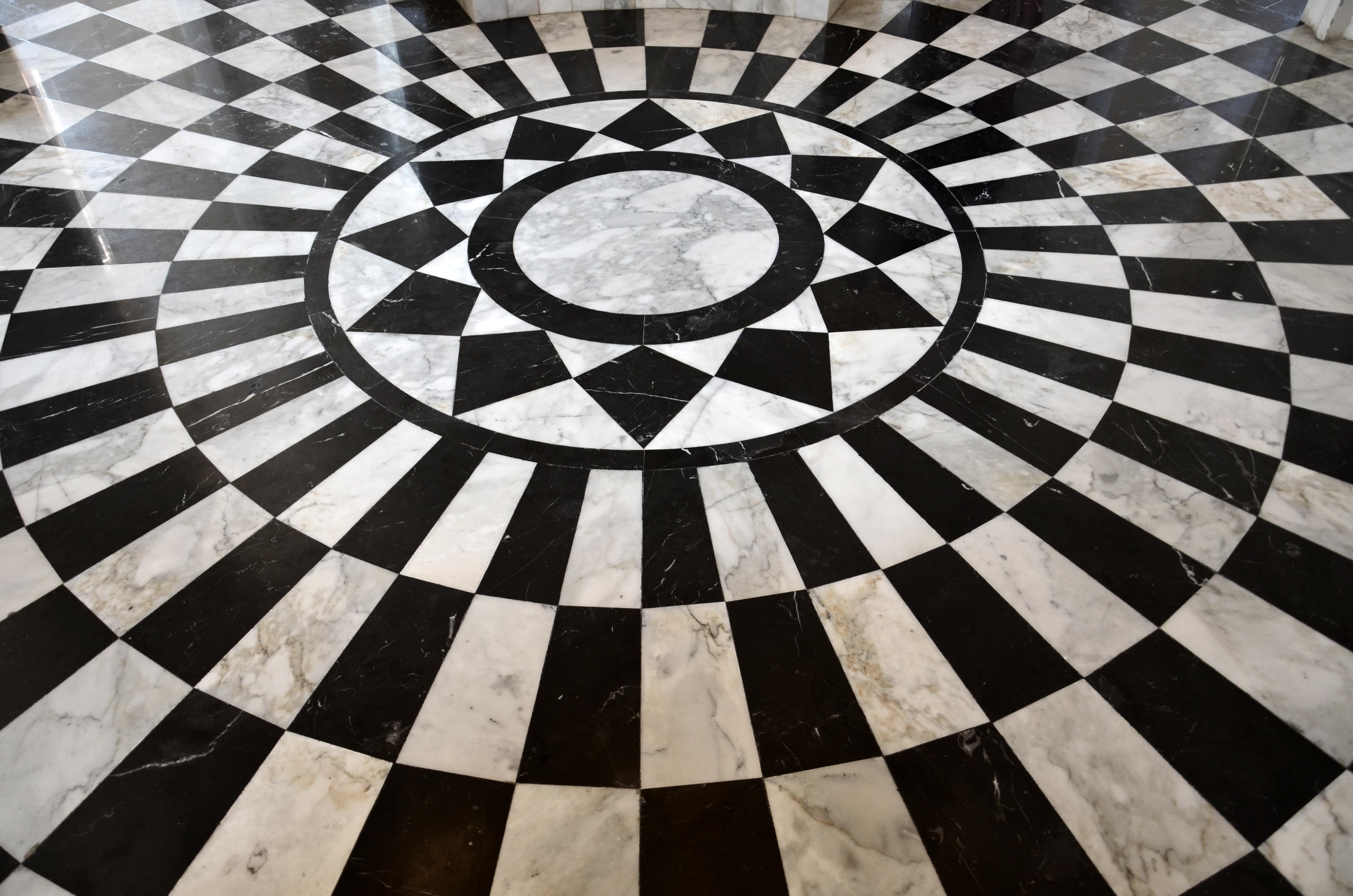 Carrara Marquina Circle Floor.jpg